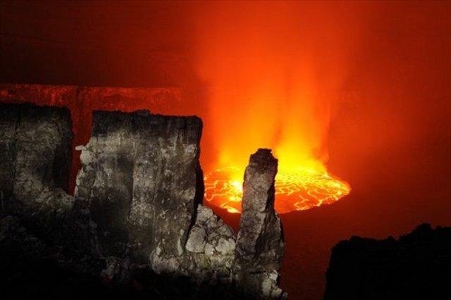 Yanardağ Kraterinden Muhteşem Fotolar