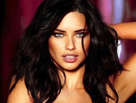 Dünya Güzellerin Makyajsız Halleri Şaşırttı