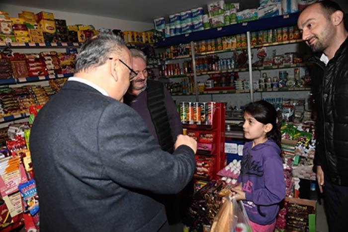 Hasan Can, Çakmak mahalle esnafını ziyaret etti