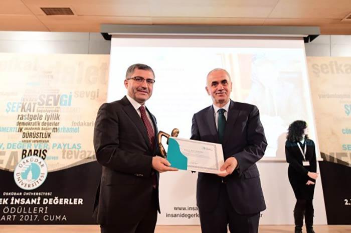 Üsküdar'a 'Yüksek İnsani Değerler' ödülü verildi