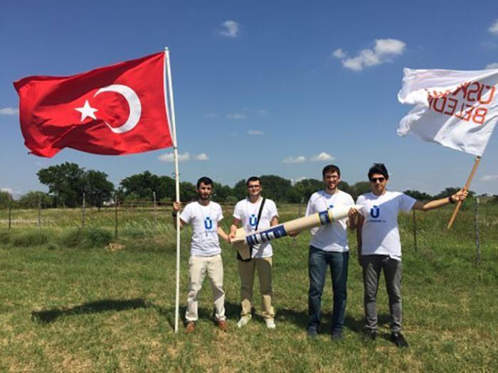 Üsküdar Belediyesi'nden öğrencilere destek