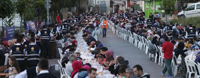 Akşemsettin'de iftar coşkusu