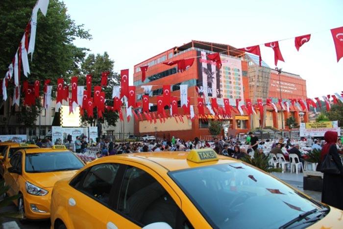 Beykoz Belediyesi taksicilere iftar programı düzenledi