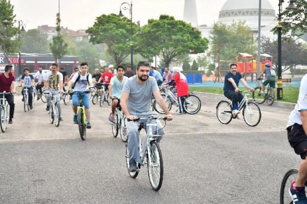Bisikletini al gel, yoksa yine gel…