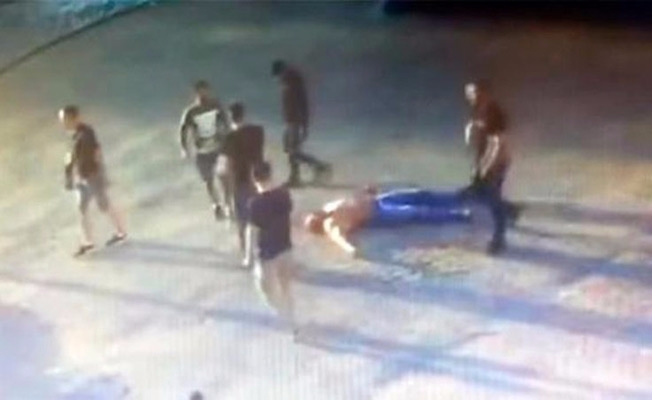 Dünya şampiyonunu döverek öldürdüler