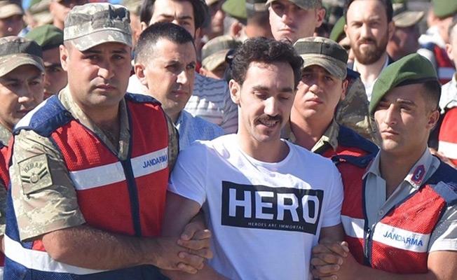 'Hero' tişörtüne 5 gözaltı!