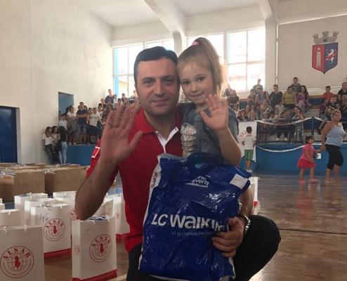 Kızılay İstanbul Şubesi Arnavutluk'ta Yetimlere Çifte Bayram Yaşattı