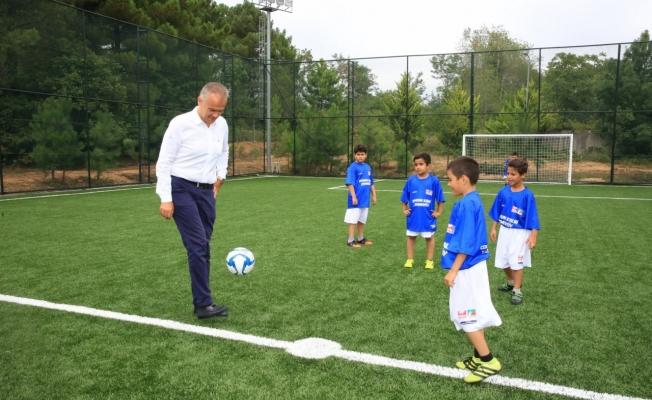 Poyraz'dan Yaz Spor Okulları ve Eğitim Kurslarına Ziyaret
