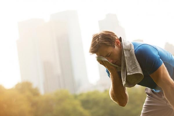 Sıcaklarda kontrolsüz ve aşırı zorlayıcı sporlardan kaçınılmalı