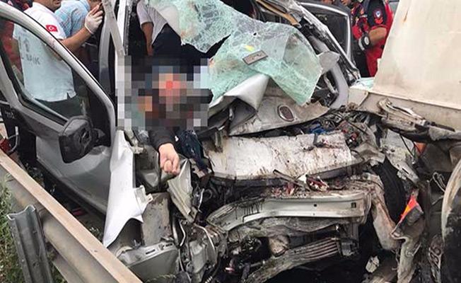 TEM'de  kaza: 4 ölü 1 yaralı