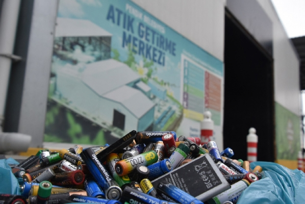 Pendik Belediyesi Atık pil toplamada birinci