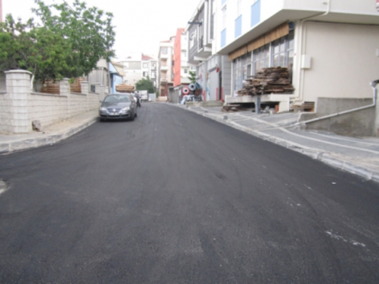 Ümraniye'de asfalt yenileme çalışmaları devam ediyor