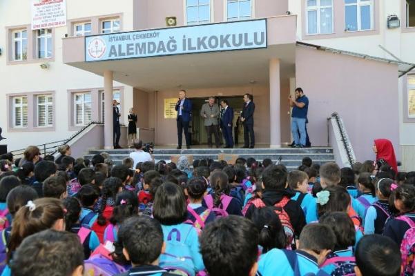 Okulların temizlik malzemeleri Çekmeköy Belediyesi'nden