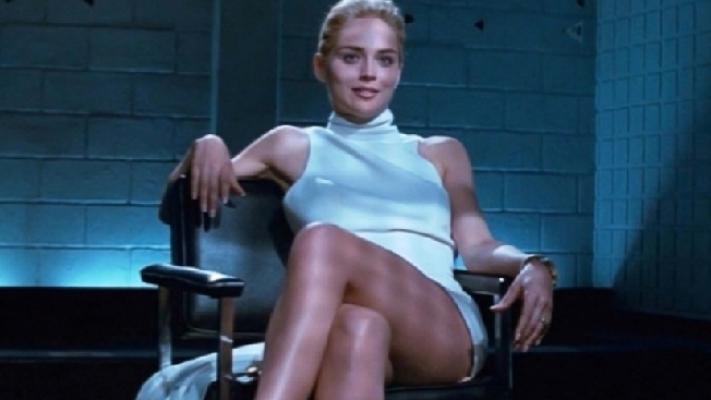 Sharon Stone 25 yıl önceki oturuşunu yaptı