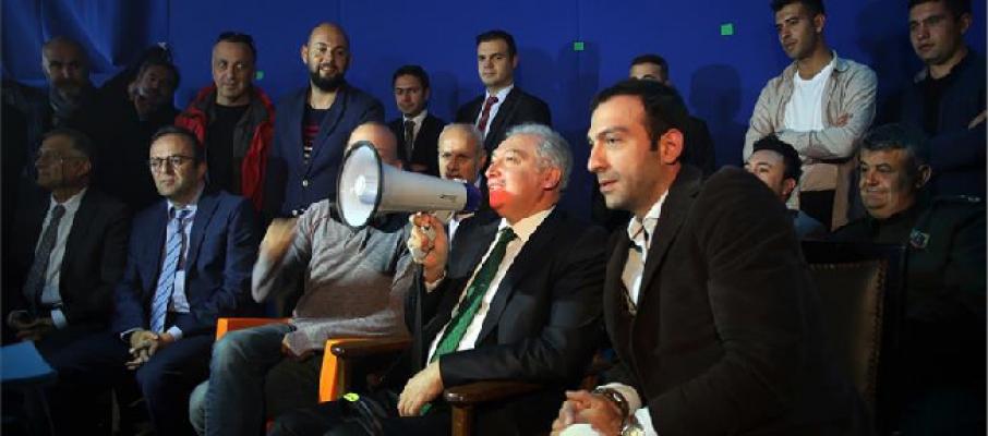 Başkan Uysal 'İstanbul Muhafızları' Filminin Setini Ziyaret Etti