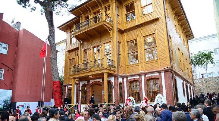 Kadıköy'de sanata engel yok