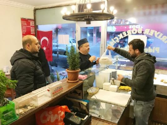 Börekçi, bir günlük gelirini Mehmetçik Vakfı'na bağışlayacak