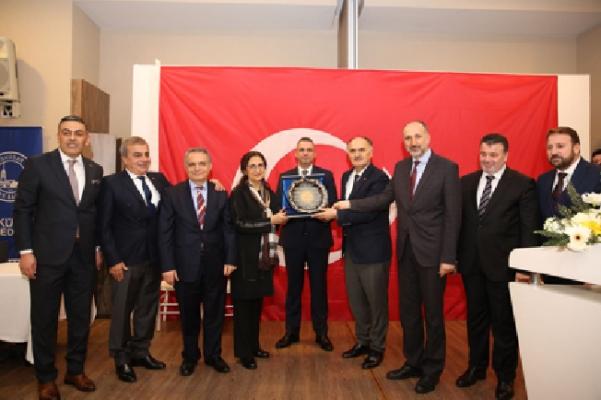 Giresunlular Derneği'nden Başkan Hasan Can'a teşekkür plaketi