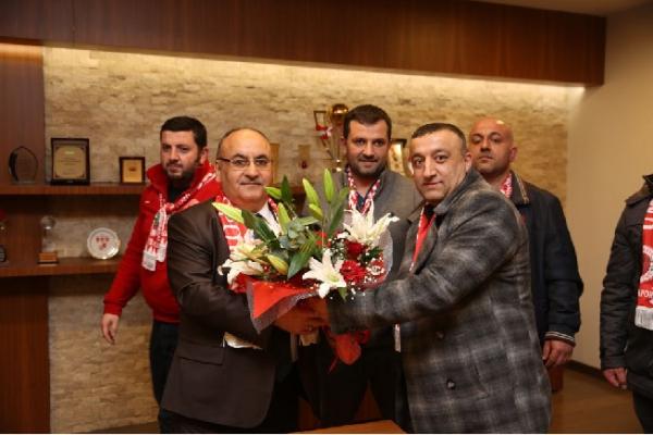Ümraniyespor 1938 Taraftar Grubu'ndan Başkan Hasan Can'a ziyaret