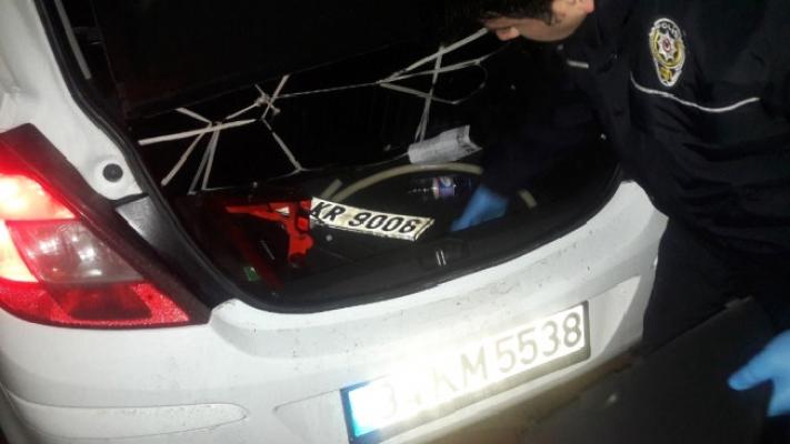 Üsküdar'da hırsız-polis kovalamacası