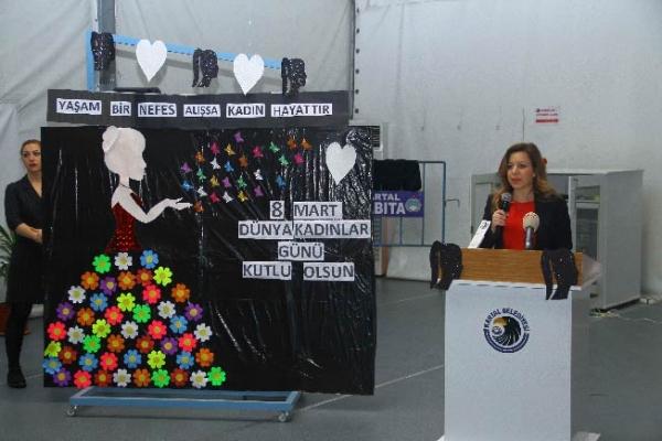 8 Mart Dünya Emekçi Kadınlar Günü Kartal'da Coşkuyla Kutlandı