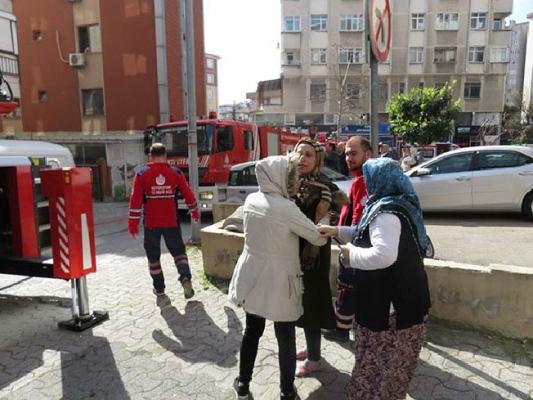 Ataşehir'de yangın panik yarattı