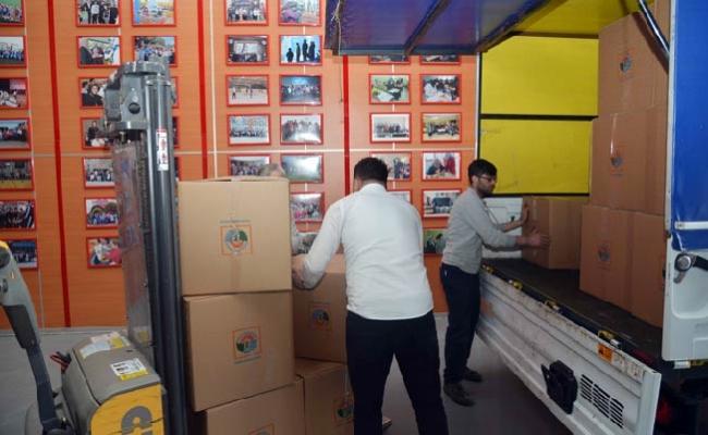 Tuzla'dan Afrin'e 120 koli oyuncak gönderildi