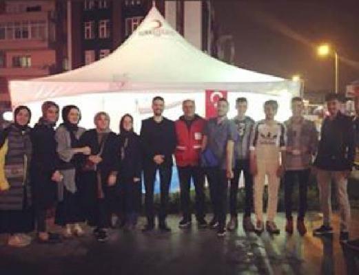 AK Parti Ümraniyeli gençlerden örnek farkındalık projesi