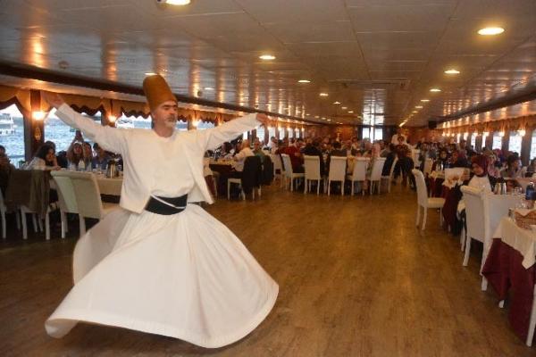 Çekmeköy Kaymakamlığı yetim ve öksüz çocukları gemide ağırladı