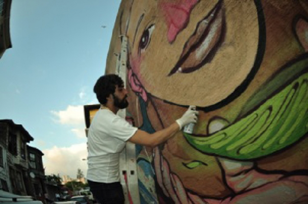 Kadıköy'ün duvarları Mural Festivali'yle renkleniyor