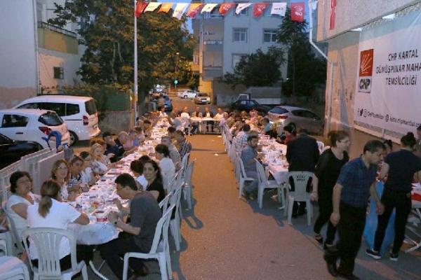 Kartal Belediyesi CHP Gümüşpınar Mahalle Biriminin İftarına Konuk Oldu