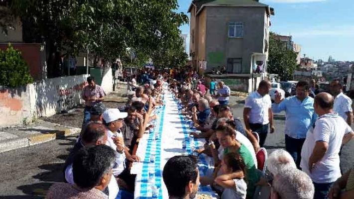 ÇAZDER'in aşure programı etkinliğine bin kişi katıldı