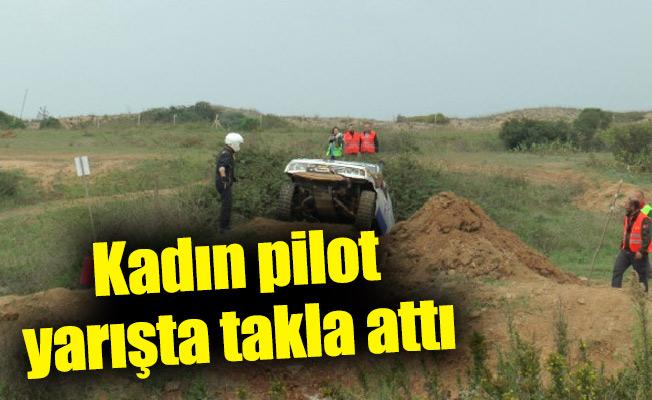 Kadın pilot yarışta takla attı