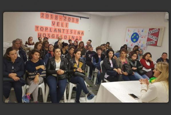 Kartal Belediyesi Kreşler Müdürlüğü Velilerle Toplantı Düzenledi