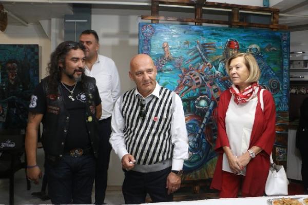 Altınok Öz Garaj Avangard Sanat Atölyesi'nin Açılışına Katıldı