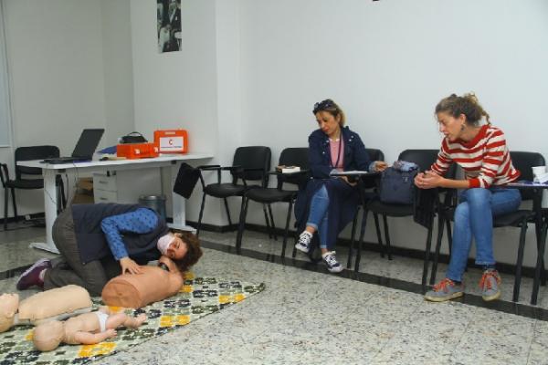 Kartal Belediyesi Personele Yönelik İlk Yardım Eğitimlerine Devam Ediyor