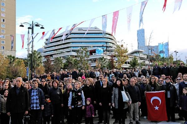 Ulu Önder Atatürk Özlemle ve Saygıyla Ataşehir'de Anıldı