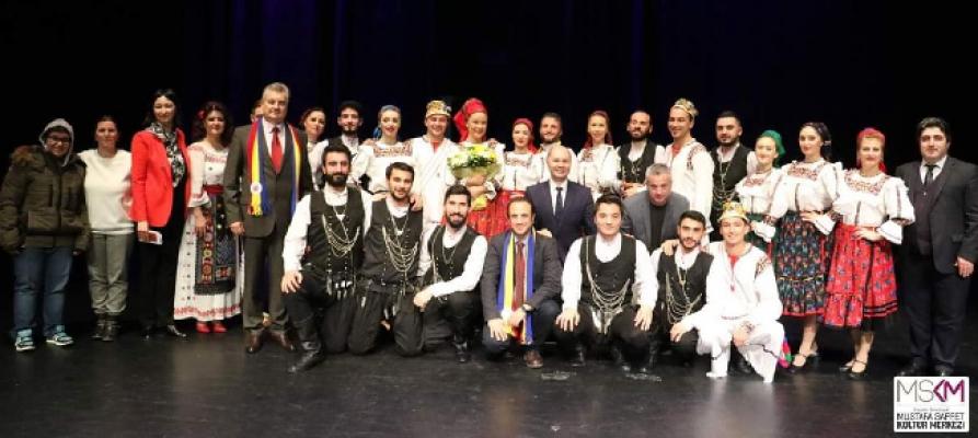 Ataşehir'de Romanya Dansları Sahnelendi