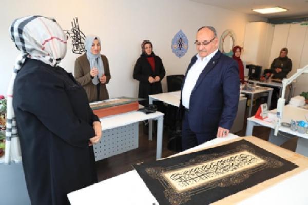 Başkan Hasan Can Geleneksel Sanat Atölyesi'ni ziyaret etti