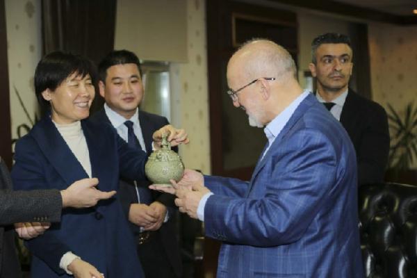 Çin Tongchuan Belediyesi'nden Başkan Çelikbilek'e ziyaret