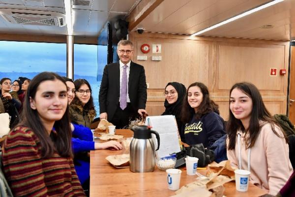 Kandilli Kız Anadolu Lisesi Valide Sultan Gemisi'nde