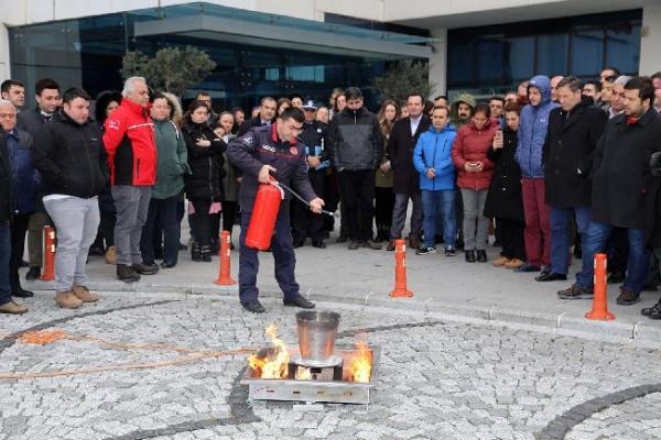 Ataşehir Belediyesi'nde Yangın Tatbikatı Yapıldı