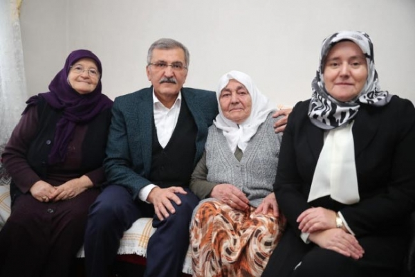 Beykoz Belediye Başkan Adayı Murat Aydın ev ziyaretlerine başladı