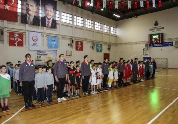 Beykoz'da okullar arası Hentbol Ligi müsabakaları başladı