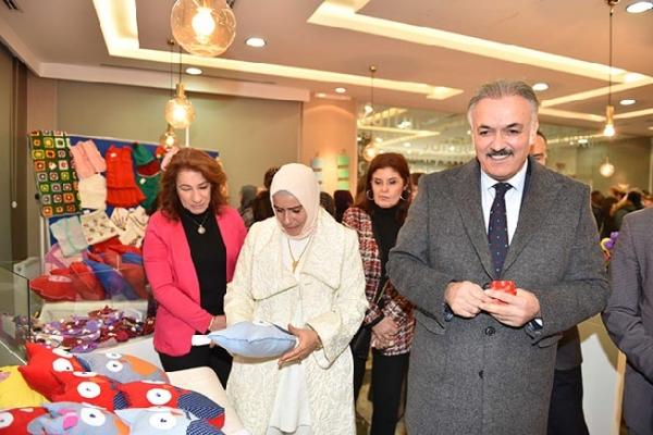 Tuzla Belediyesi Yaşlılar Merkezi, El Emeği Sergisi büyük ilgi gördü