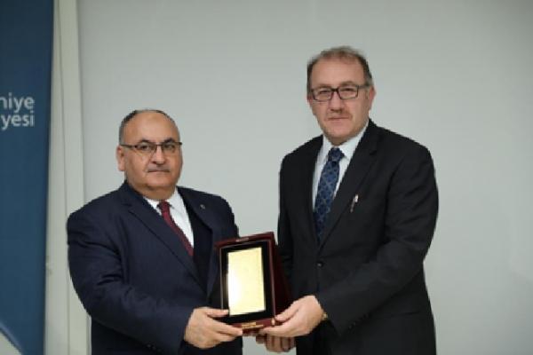 Ümraniye Belediyesi Geri Dönüşüm ve Doğaya Vefa Plaket Töreni gerçekleşti