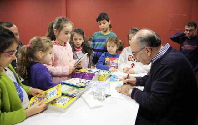 """""""Yalvaç Ural'la Ana Baba Okulu"""" Söyleşisi Masal Müzesi'nde Gerçekleştirildi"""