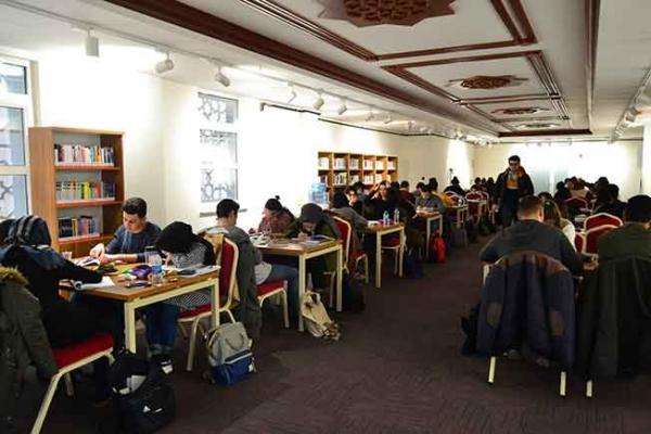 Yeni Kütüphane Öğrencilerle Dolup Taşıyor