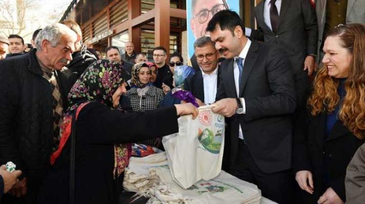 Bakan Kurum, Üsküdar'da muhtar adaylarıyla buluştu