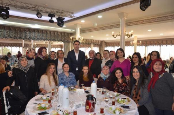 Kartallı kadınlardan Gökhan Yüksel'e büyük destek
